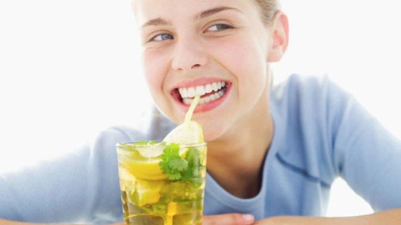 warum hilft wasser trinken beim abnehmen