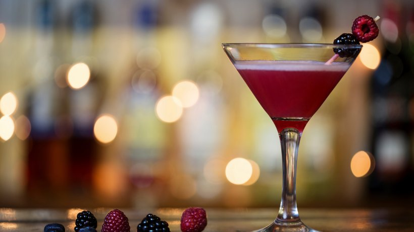 himbeer martini bild der frau. Black Bedroom Furniture Sets. Home Design Ideas