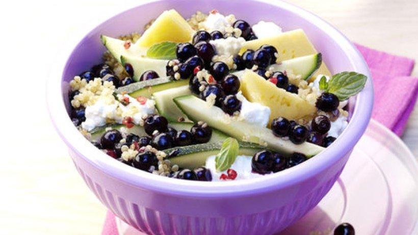 quinoa salat mit blaubeeren. Black Bedroom Furniture Sets. Home Design Ideas