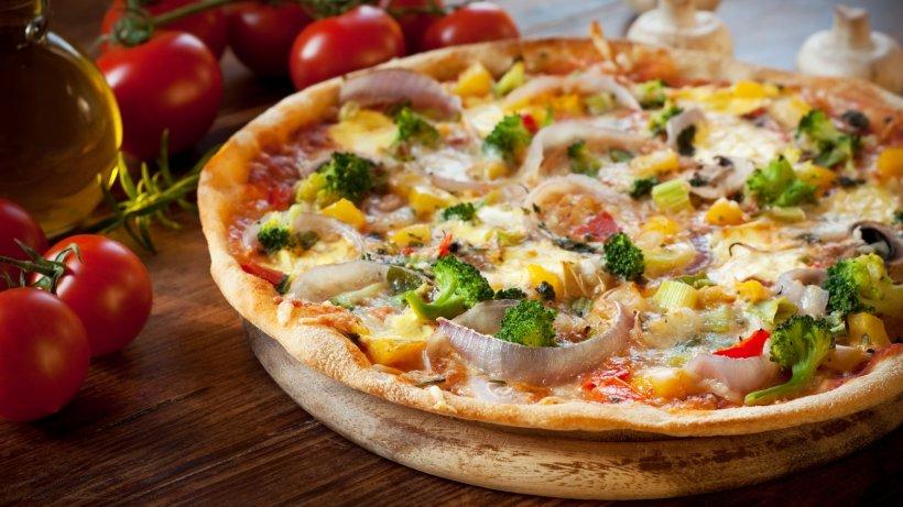 leckere gem se pizza ganz leicht selber machen bild der frau. Black Bedroom Furniture Sets. Home Design Ideas